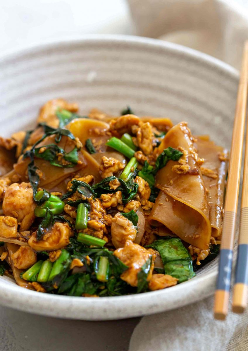 Pad see ew is one of the most popular dishes at Thai restaurants and now you can make it at home yourself and enjoy anytime!