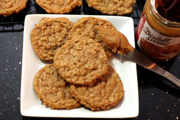 biscoff oatmeal cookies - Table for Two