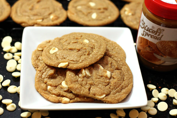biscoff white chocolate chip cookies