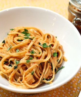 sundried tomato pesto cream sauce