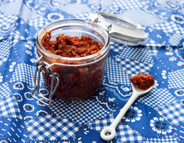 Sundried Tomato Pesto simple to make at home and a great compliment to ...