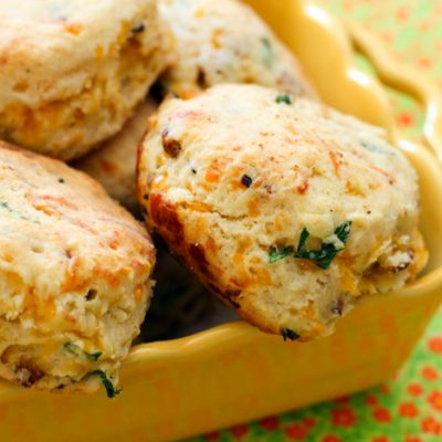 cheddar bacon chive biscuits