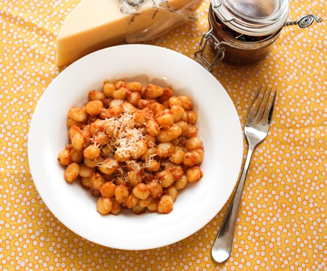 sundried-tomato-pesto-gnocchi1