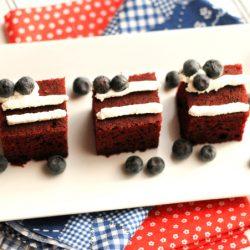 mini-flag-cakes-1