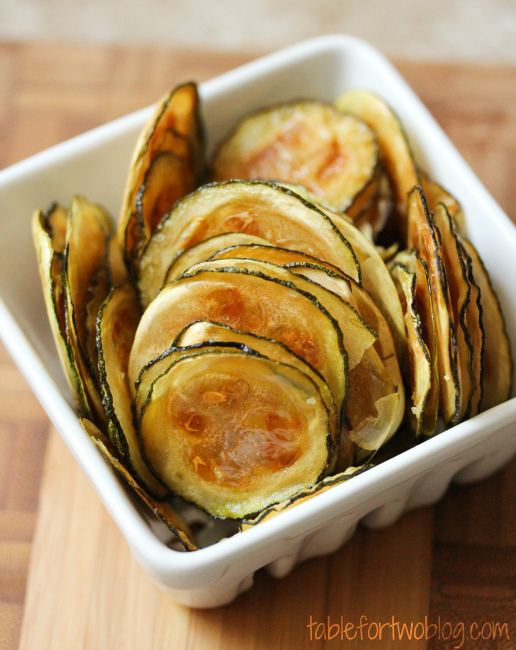 Soo easy and delicious - zucchini chips - crispy, healthy, guilt-free chips!