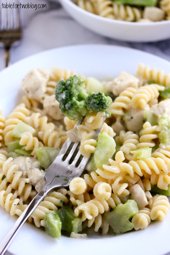 Skinny Chicken & Broccoli Alfredo from tablefortwoblog.com