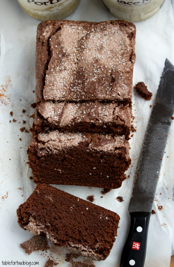 Edging A Chocolate Cake