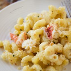 lobster-mac-n-cheese-tablefortwoblog-3