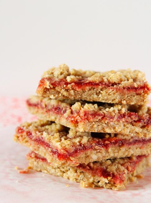 strawberry-rhubarb-crumble-bars-1.jpg