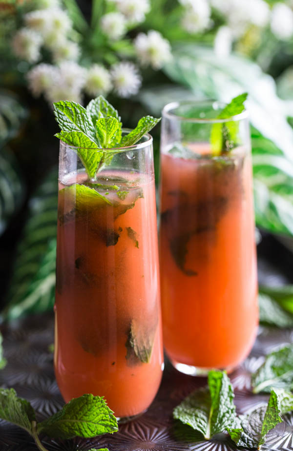 Guava mojitos that will transport you to paradise!