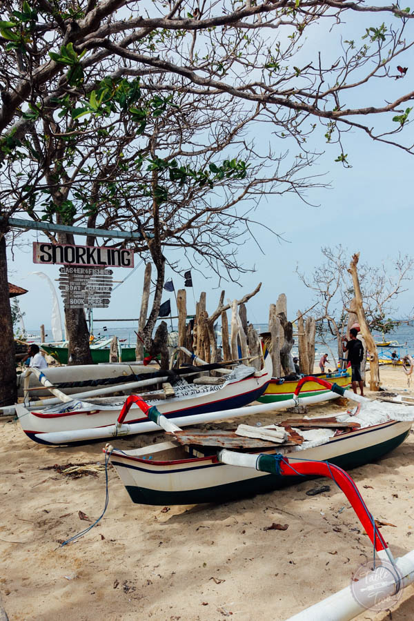 A travel review of Bali, Indonesia and the coastal beach town Sanur. From fun local foodie spots to where to stay in Sanur!