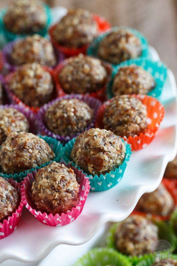 These energy ball bites are naturally sweetened and filled with good-for-you ingredients that will give you that extra boost pre or post workout! You won't be able to stop eating them!