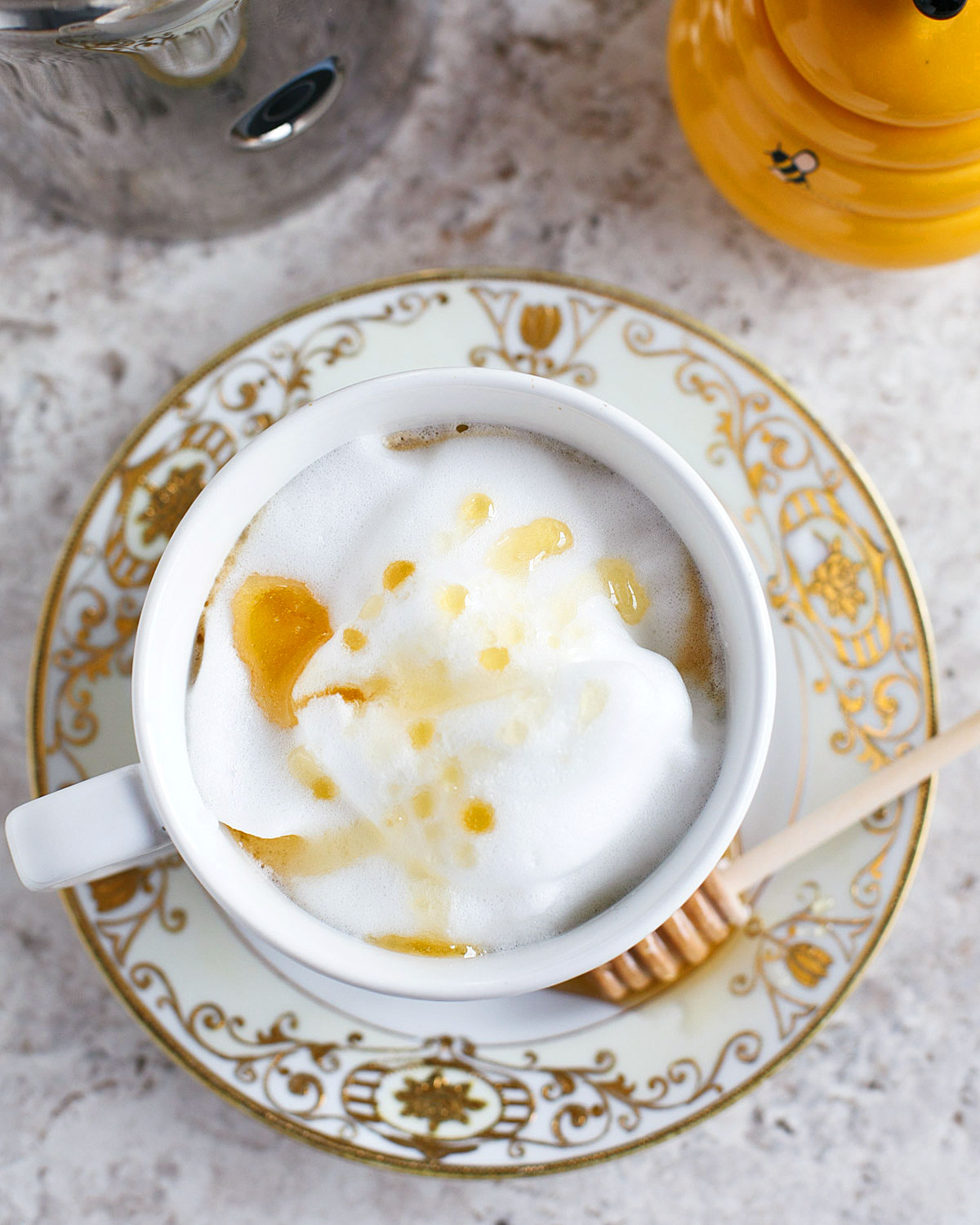 This honey cream latte is a unique take on latte. The honey floral notes will make your next cup of latte that much better!
