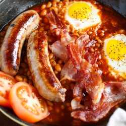 If you're yearning for a taste of London, this skillet English breakfast will satisfy your cravings in the States!