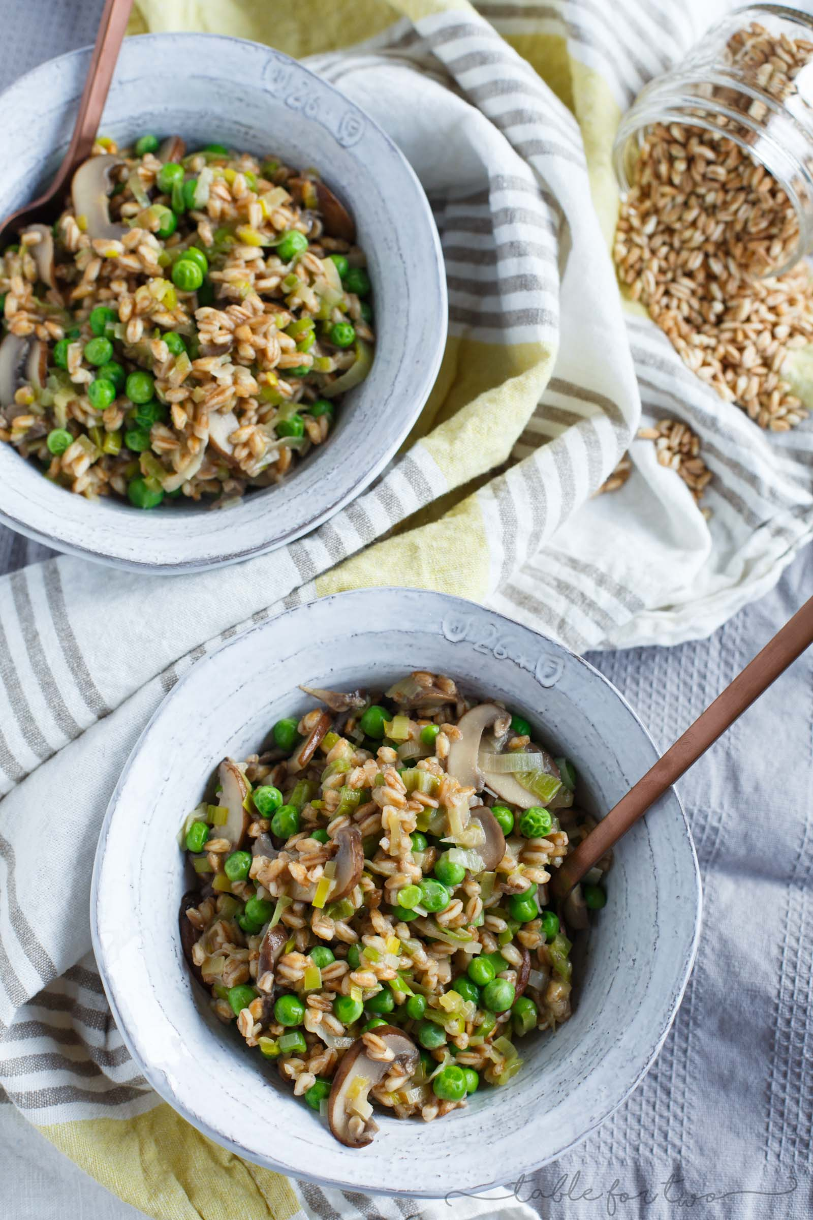 A great way to use farro in this flavorful dish! Filled with leeks, mushrooms, peas, and lots of parmesan cheese; this cozy farro dish is a quick one to whip up anytime of the week!