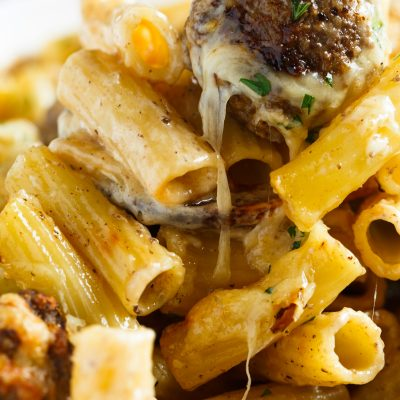 A fun take on the classic Swedish meatballs. This creamy Swedish meatball pasta bake is filled with pasta, cheese, and meatballs; the ultimate comfort food!