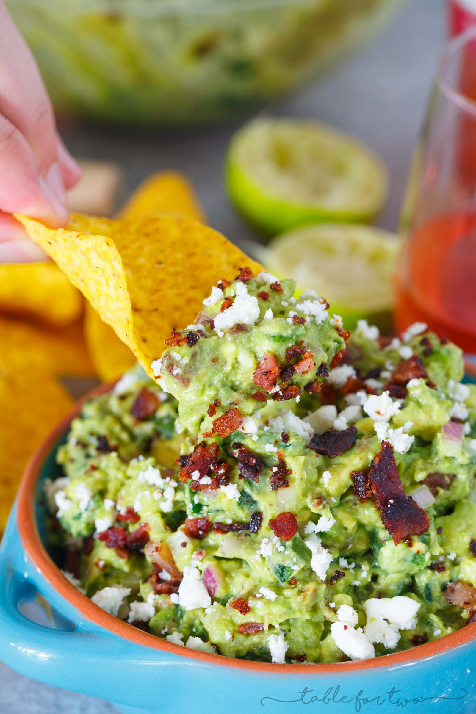 Loaded guacamole is pretty much the only way to have guacamole these days. Roasted poblano peppers, bacon, and queso fresco make this guacamole freaking amazing especially with a glass of @sutterhome White Zinfandel! #ad #sweetonspice