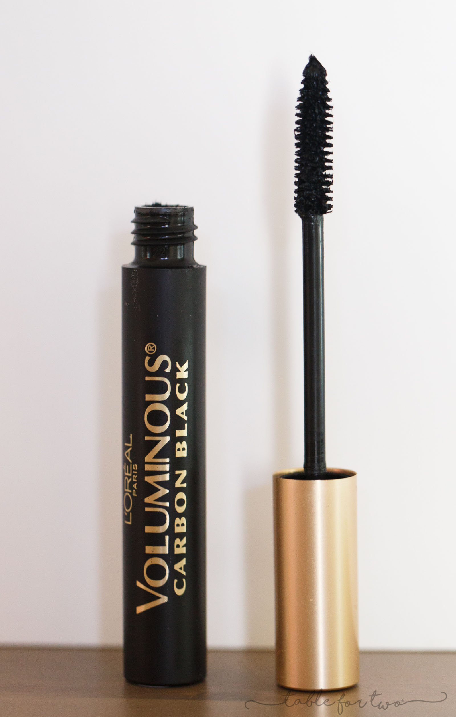 Have you ever wondered whether or not drugstore mascara works better than high-end mascara or vice versa? I tested out over 10 different mascara brands and here are my results!