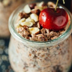 Fresh cherries make the base of this cherry pie overnight oats recipe! This takes no time to put together and you'll end up with a quick on-the-go breakfast the next morning! #TheSoulfullProject #ad