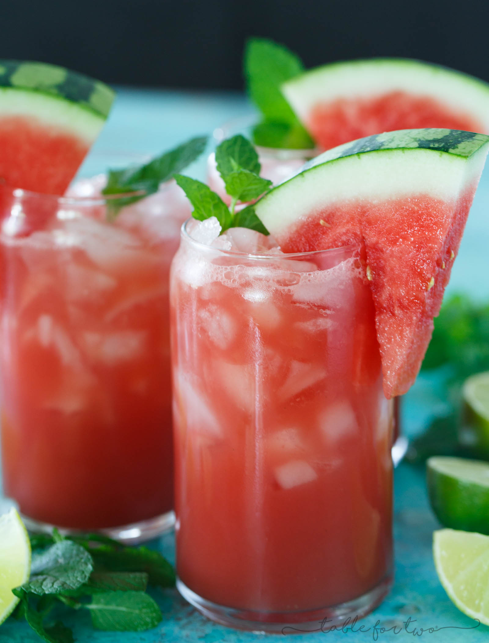 Cool off with this refreshing and easy watermelon mint lime juice! A must for the hot summer days!