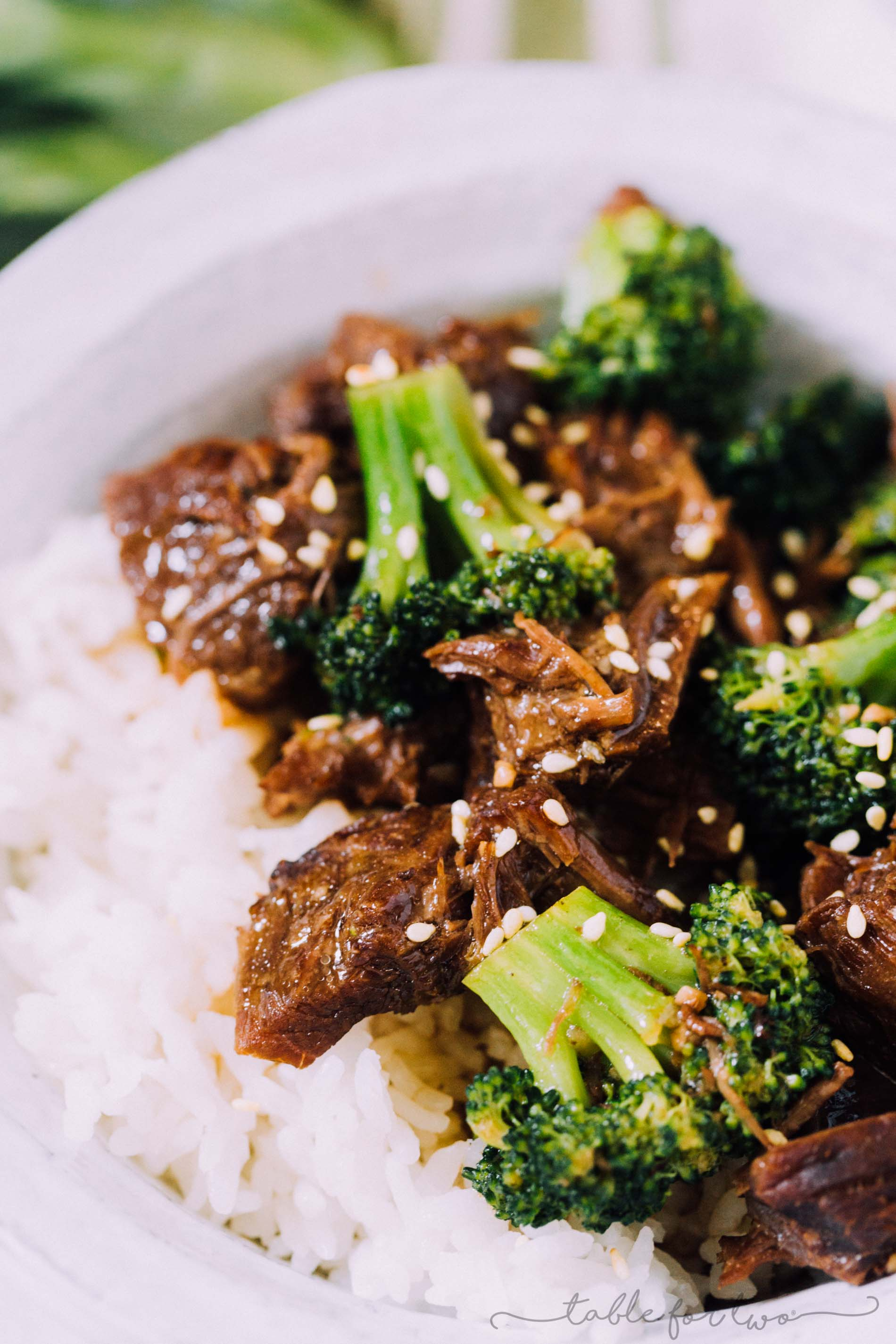 An Instant Pot (pressure cooker) version of the classic beef and broccoli that everyone loves!