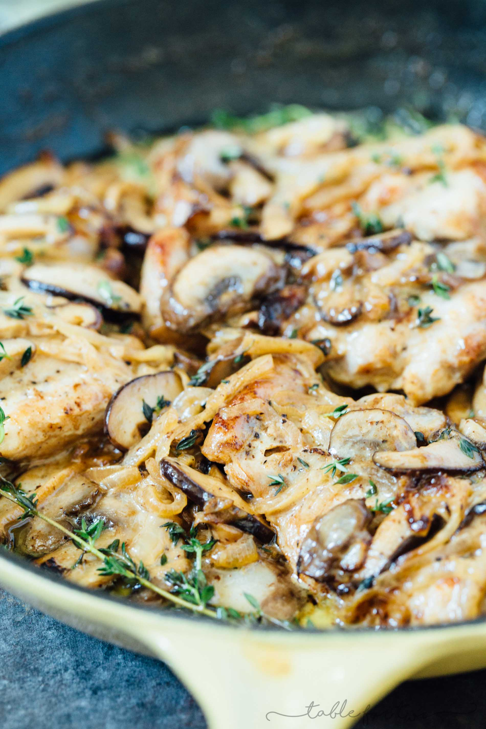 A delicious creamy skillet mushroom chicken that will make any evening fancy and full of flavor!