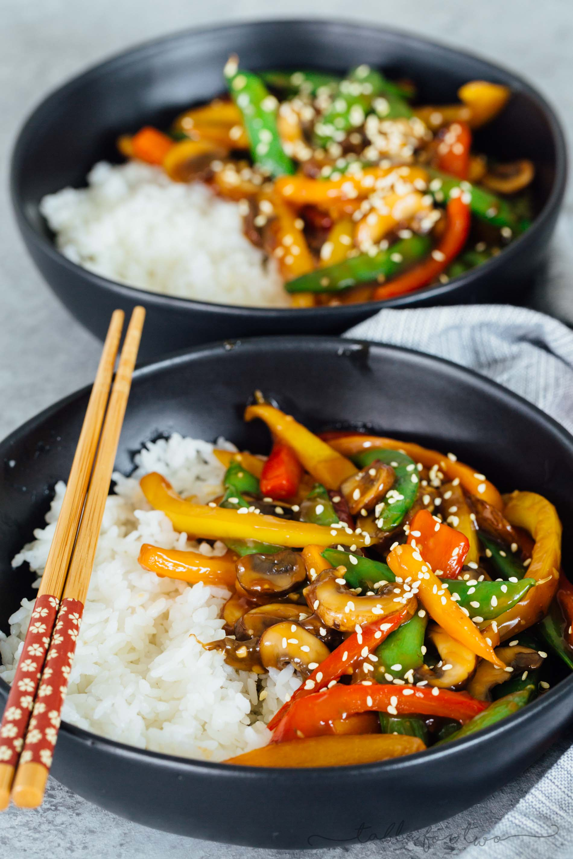 If you're in a dinner rut and need a quick and flavorful dinner idea, this 20-minute vegetable stir fry has got it all! Super easy to prep ahead of time, too!
