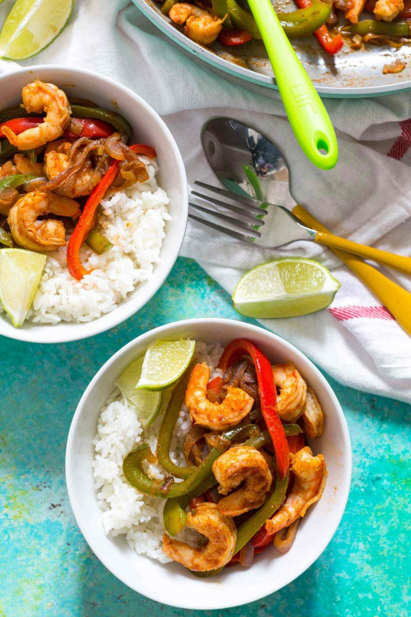 Shrimp fajita bowls are a quick dinner option for those busy night. Super flavorful and comes together in less than 20 minutes!