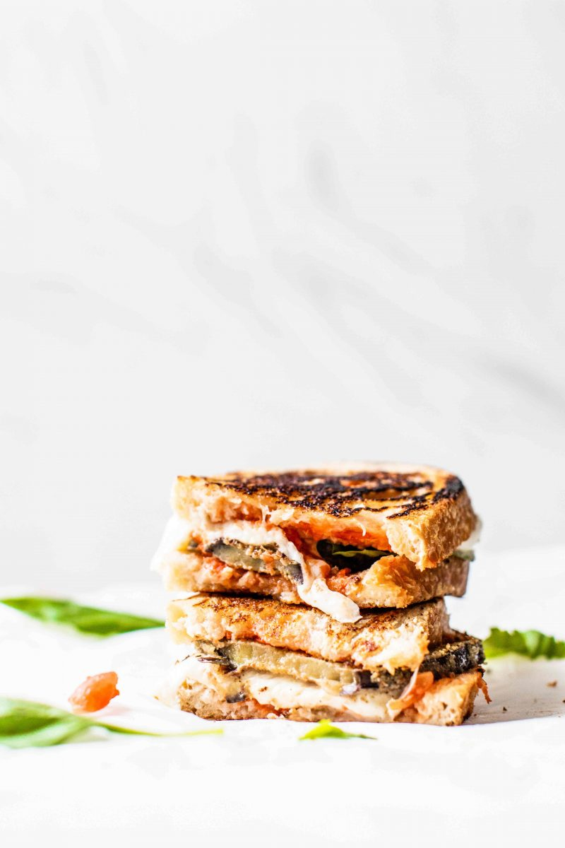 If you're looking for an alternative to eggplant parmesan, this eggplant parmesan SANDWICH is it!