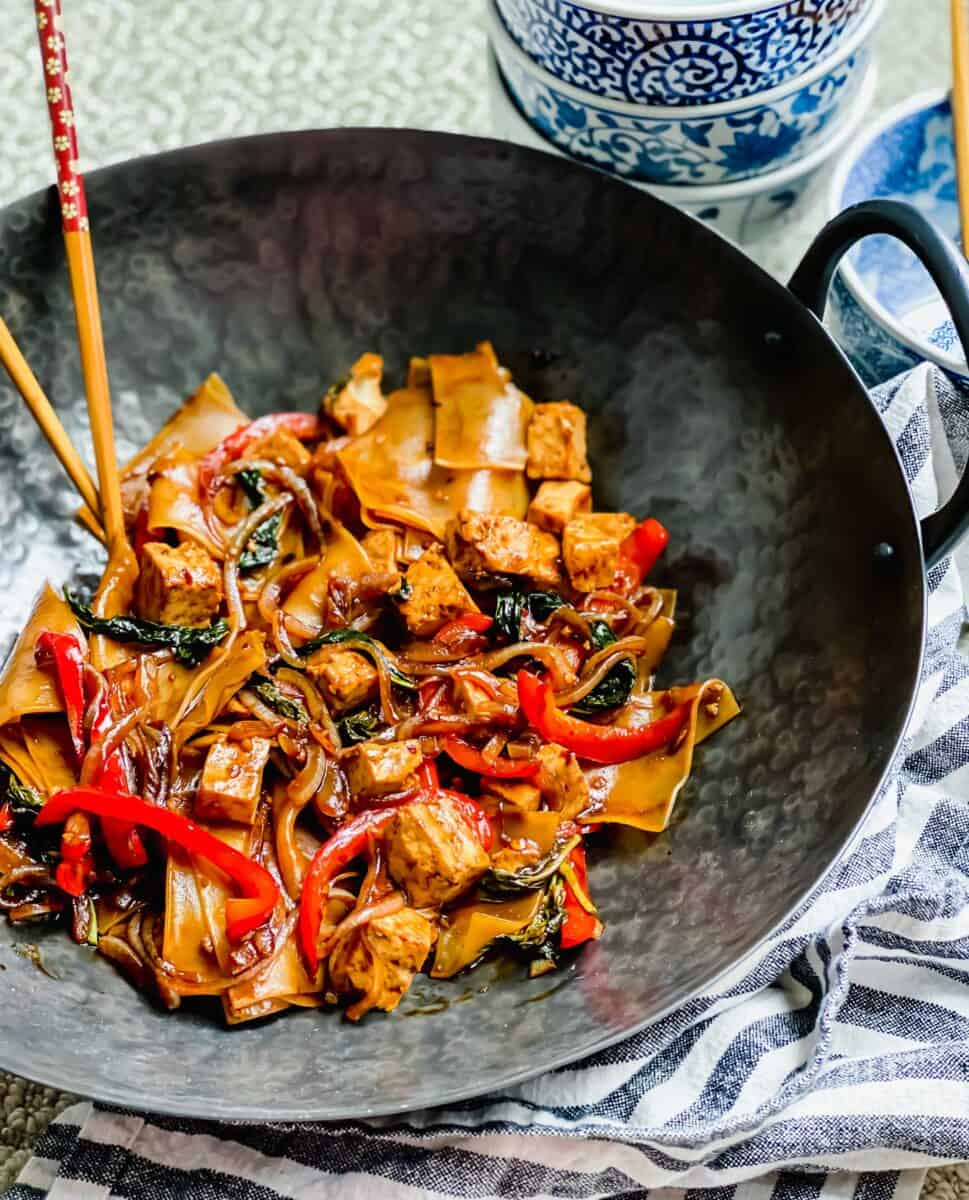 Drunken noodles, one of my favorite Thai takeout dishes that you can easily make at home without having to call for takeout!