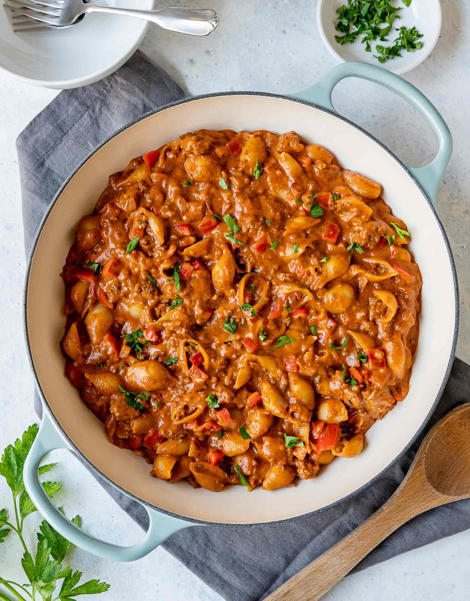 If you're looking for that ultra cheesy, creamy, and carby dinner..look no further than this cheesy beefy pasta shell dish!