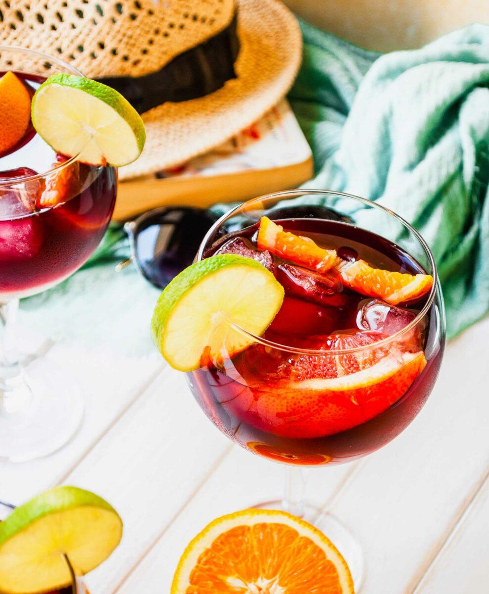 Citrus slices garnish a glass of Tinto de verano.